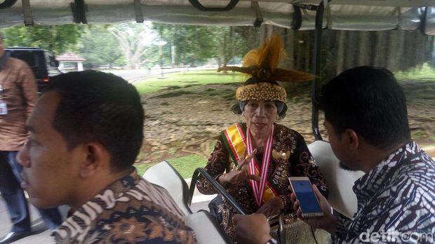 Raja Tanah Rata Sekar Kokoda, Rustuty Rumangesan