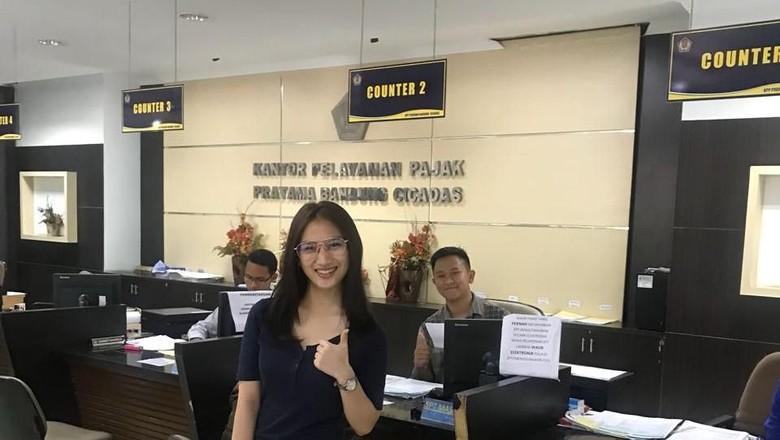 Melody JKT48 Datangi Kantor Pajak