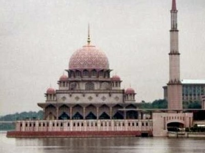 Pesona Masjid Pink Malaysia