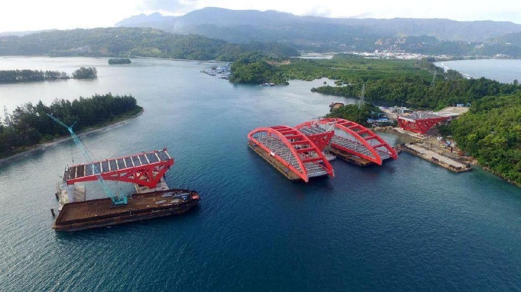 Rangka Kedua Jembatan Kebanggaan Jokowi Tiba di Papua