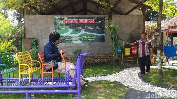 Taman di area TPA sampah di Boyolali.