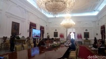Pimpin Rapat Kabinet, Jokowi: Kok Kita Nggak Bisa Lari Cepat?