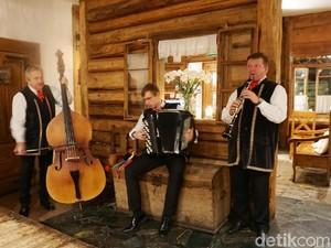 Folk Gospoda : Mencicipi Masakan Tradisional Gaya Dusun Polandia