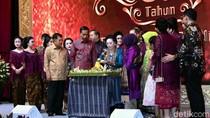 Jokowi dan JK Hadiri Syukuran Ultah Ke-90 Mooryati Soedibyo