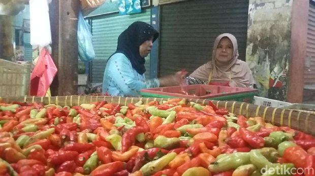 Pedagang cabai Pasar Mampang Prapatan