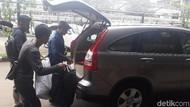 Foto: Bantal hingga Kursi Hotel Jadi Barbuk Video Bocah-Perempuan