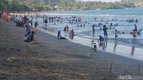 Pantai di Jayapura yang Punya Ombak Terbang