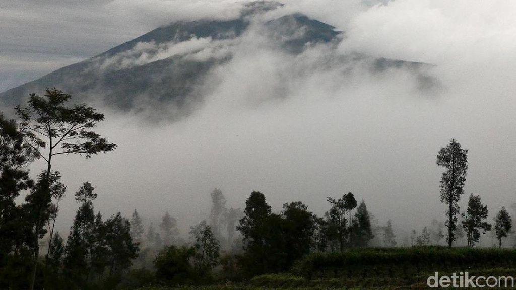 Jalur Pendakian Gunung Merbabu Ditutup Selama 1 Bulan
