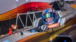 Cewek Cantik Ini Punya Ambisi Jadi Juara Balapan F1