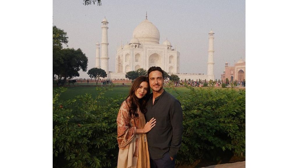 Saat Raisa Terpesona Kisah Cinta Taj Mahal