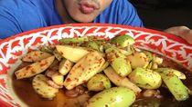 Pria Tampan Pamer Foto Bareng Makanan dan Inspirasi Dapur Mungil