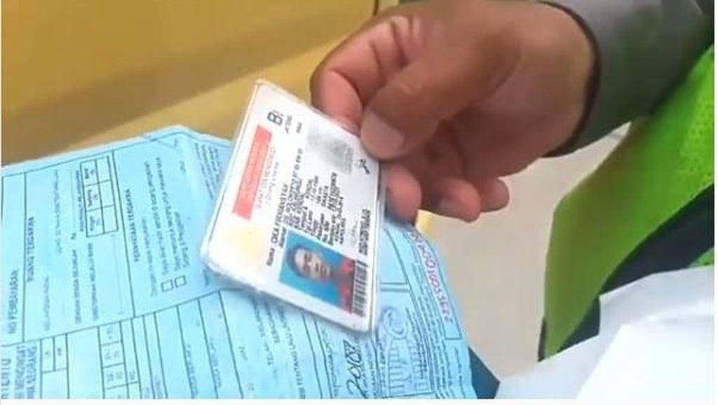 Sopir Truk Ini Kena Razia, Diperiksa Malah Bawa SIM Palsu