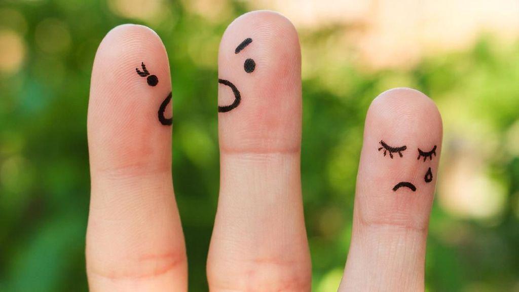 Bercerai Meski Kerap Terlihat Mesra, Begini Pandangan Psikolog