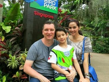 Eddy sering banget lho menghabiskan waktu bareng keluarga. (Foto: Instagram/maudykoesnaedi)