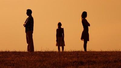 Pelajaran yang Bisa Diambil Anak dari Perceraian Orang Tuanya