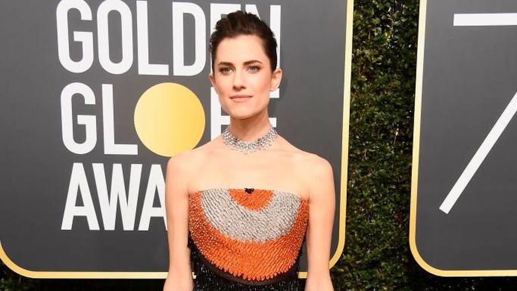 Cara Pintar 5 Artis Tampil Beda dengan Baju Hitam di Golden Globes 2018