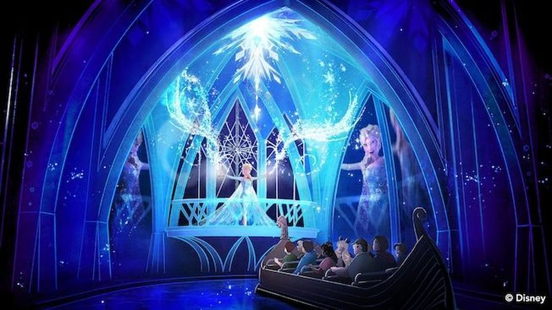 Di Epcot, Walt Disney World Resort punya Frozen Ever After Ride. Traveler bisa keliling menggunakan perahu dan masuk ke dunia fantasi yang seru (Disney)