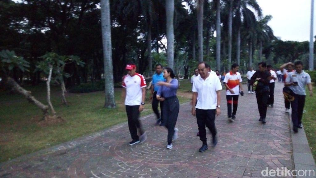 Sandi Jalan Pagi Bareng Menteri BUMN, Bahas Percepatan Pembangunan