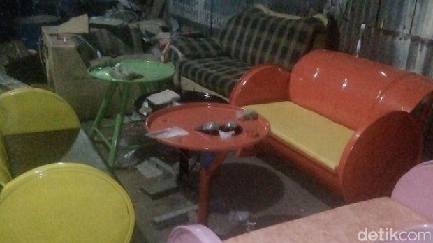 Drum bekas disulap jadi furniture/
