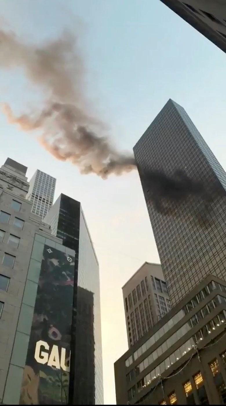 Kebakaran Terjadi di Atap Menara Trump di New York