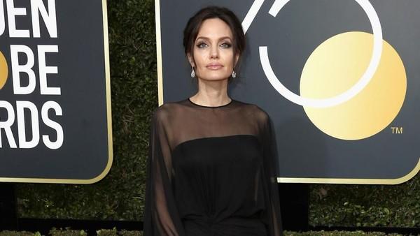 Angelina Jolie dan Jennifer Aniston Dipertemukan di Golden Globe 2018
