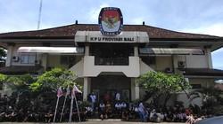 Diiringi Baleganjur, Koster-Cok Ace Daftar Pilgub Bali