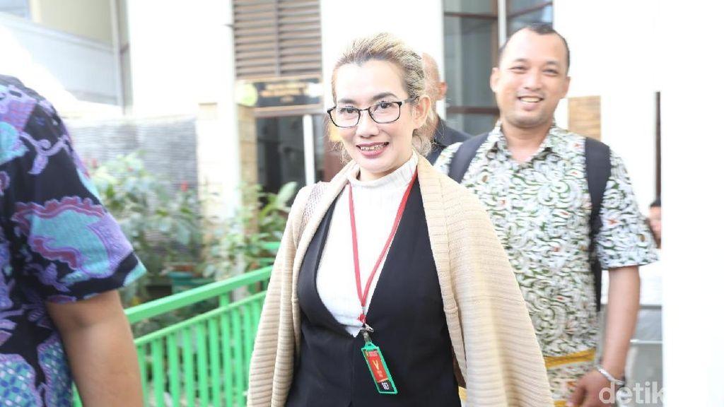 Bersaksi, Reza Artamevia Sempat Tertawa di Persidangan Aa Gatot