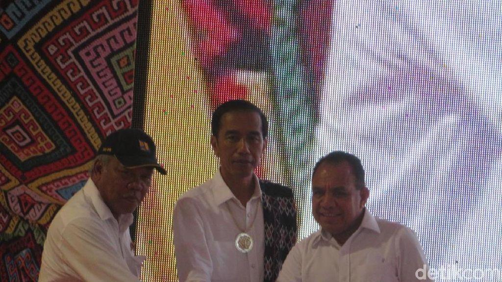 Selesai Setahun Lebih Cepat, Jokowi Resmikan Bendungan Raknamo