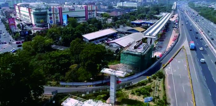 Progresnya, untuk rute Cawang-Cibubur 50%, kemudian Cawang-Bekasi Timur sudah 20%, dan Cawang-Dukuh Atas 15%. Pool/Adhi Karya.