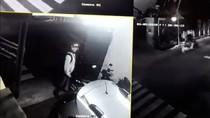 Terekam CCTV, Begini Aksi Pencuri Sepeda Motor di Pinang Ranti