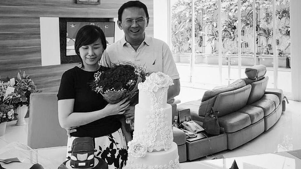 Mengenang 8 Postingan Romantis Ahok untuk Veronica Tan