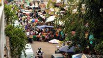 Camat: Warga Bongkar Lapak PKL di Klender karena Nggak Bisa Lewat