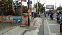 Trotoar Bahayakan Disabilitas di Mojokerto Ditutup Tembok
