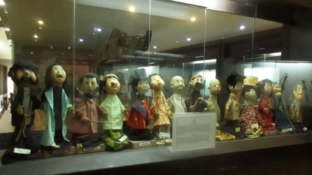 Bertemu si Unyil di Museum Wayang