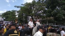 Daftar Pilgub Jabar, Dua DM Tunggangi Kuda ke KPUD