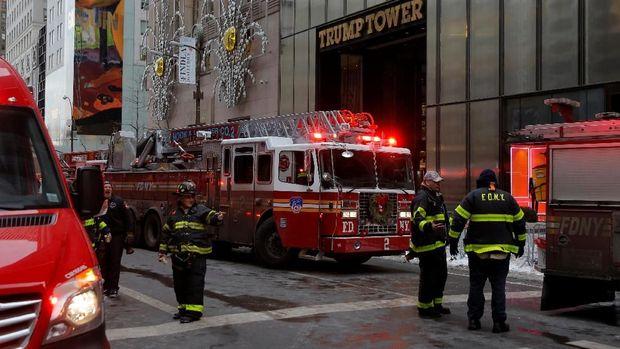 Penanganan kebakaran di Trump Tower pada awal bulan lalu