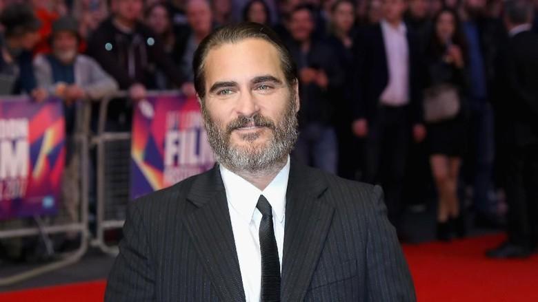 Joaquin Phoenix Diusulkan Gantikan Ben Affleck sebagai Batman