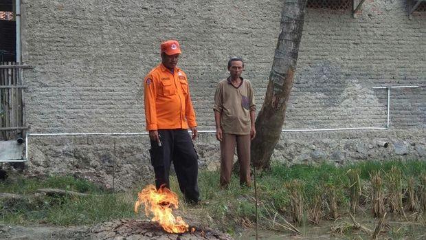 Semburan gas alam di Indramayu