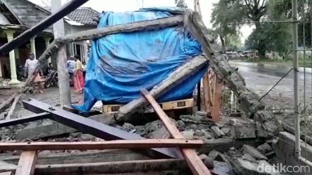 Puting Beliung di Situbondo, 8 Rumah Rusak dan Satu Truk Ringsek