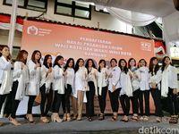 Daftar ke KPU, NURULI Naik Angkot Ditemani Wanita Geulis