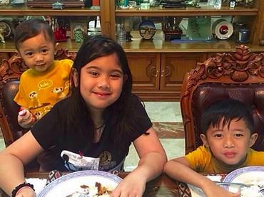Lihat tiga saudara sepupu ini rukun banget, adem... (Foto: Instagram/ @aniyudhoyono)