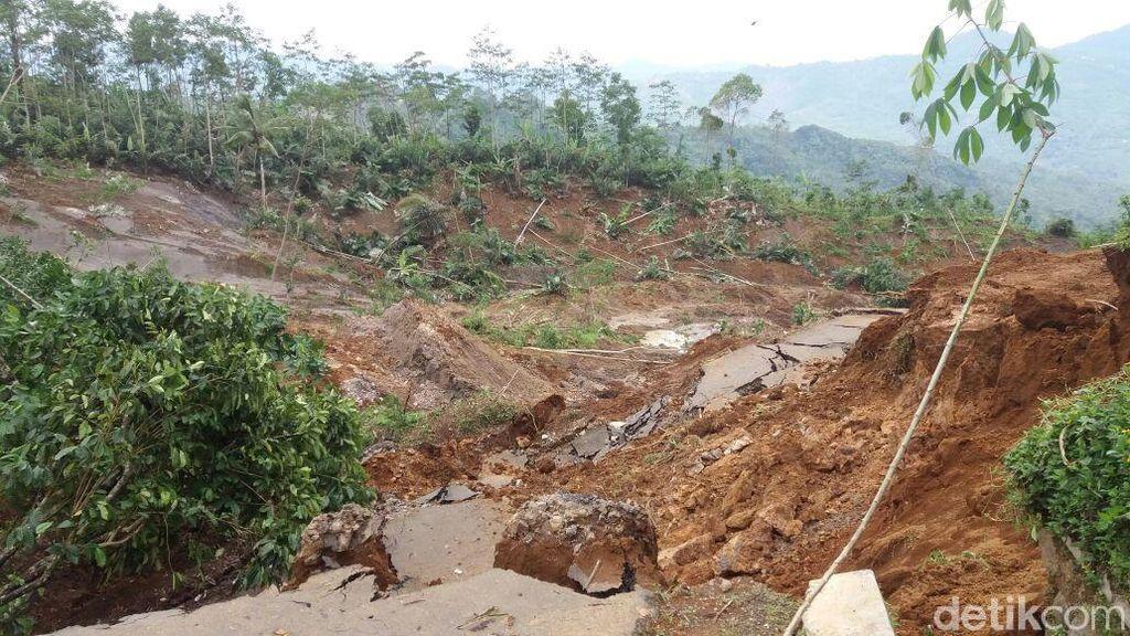 Zona 150 Meter dari Titik Tanah Bergerak di Banjarnegara Disterilkan