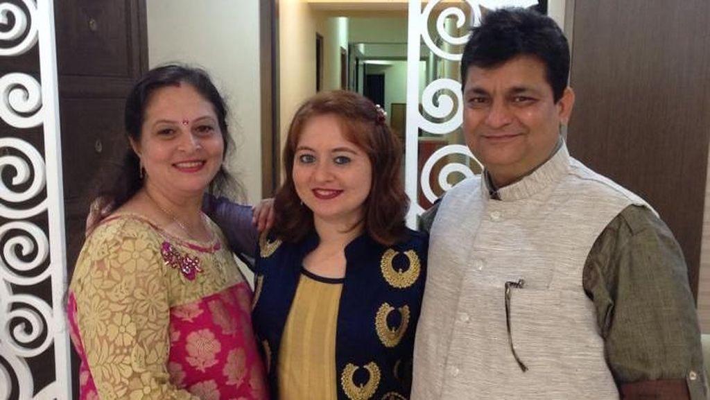 Cerita Pooja, Wanita India yang Kebingungan Karena Mirip Bule