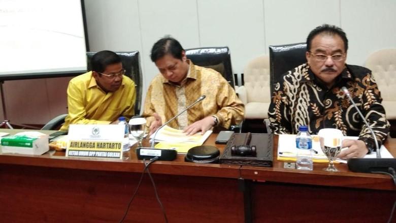Airlangga Tiba di DPR, Pimpin Rapat Fraksi Golkar soal Kinerja