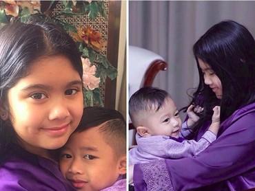 Gadis cilik bernama lengkap Almira Tunggadewi Yudhoyono ini emang sayang banget sama sepupu-sepupunya yang nggak lain anak dari Ibas Yudhoyono dan Aliya Rajasa. (Foto: Instagram/ @aniyudhoyono)