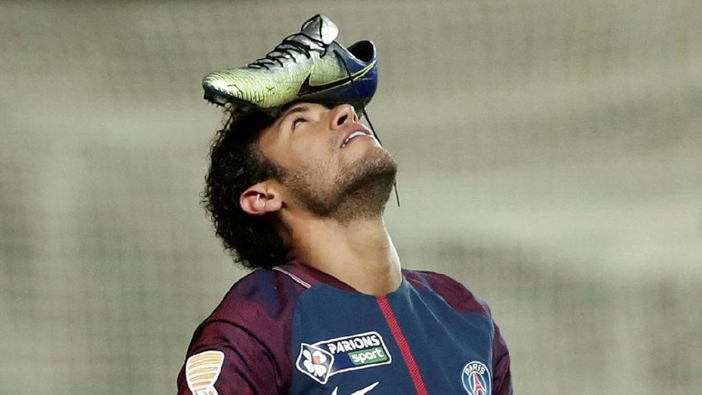 Alasan Neymar Taruh Sepatu di Jidat untuk Rayakan Gol
