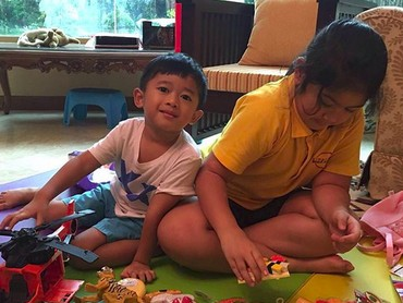 Nemenin kak Aira main masak-masakan, kenapa nggak? (Foto: Instagram/ @aniyudhoyono)