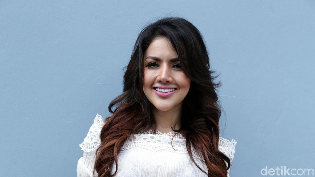 Komentari Pernikahan Vicky-Angel, Kumalasari: Aku Ketawa Aja