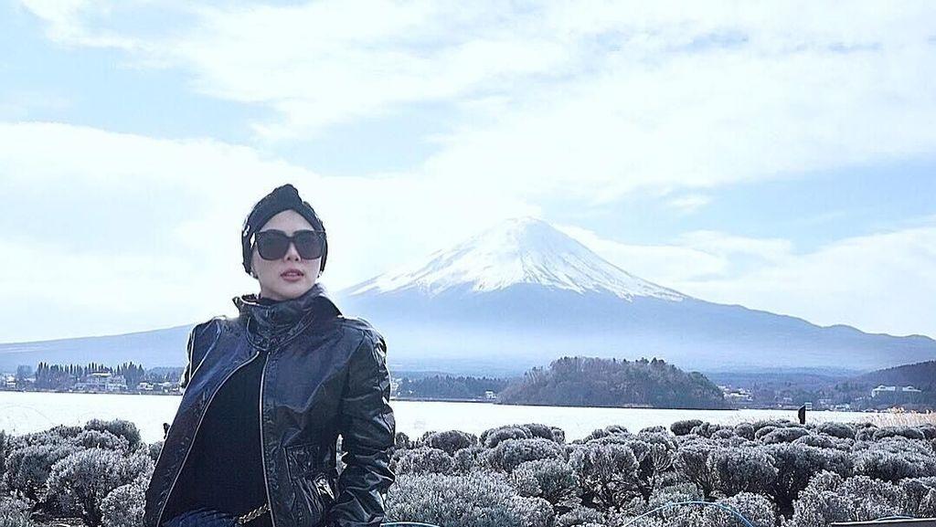 Foto: Danau Cantik di Jepang yang Didatangi Syahrini