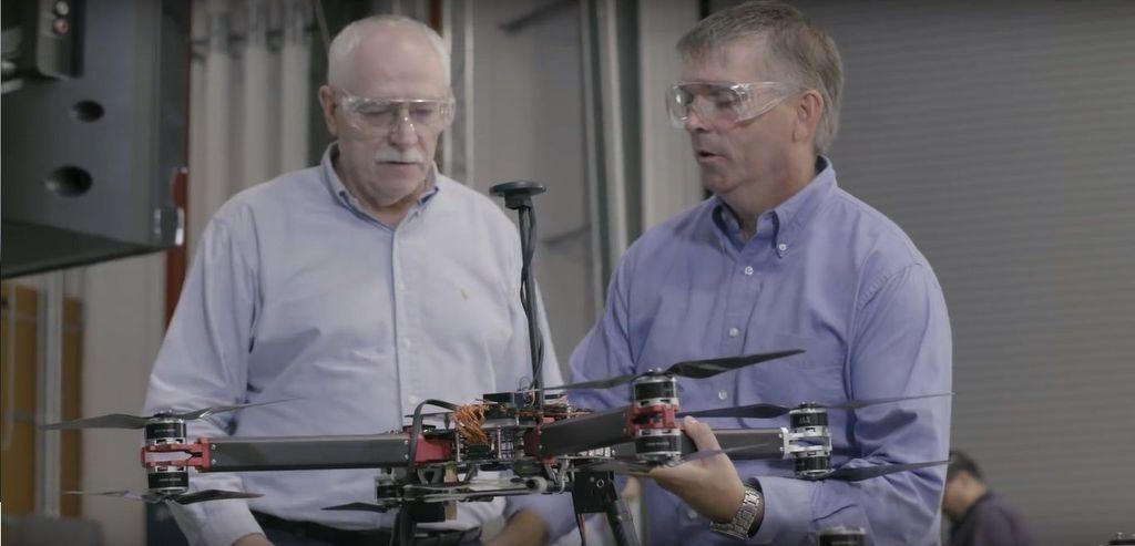 Boeing HorizonX yang berisikan para teknisi bertanggung jawab dalam pembuatannya. (Foto: Screenshot)
